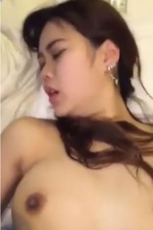 หลุดไทย สาวอวบไร้ขนโดนซอยแตกใน - Cover