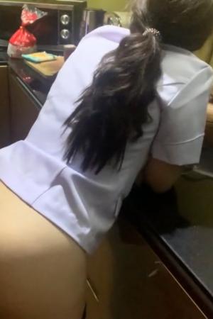 เย็ดเพื่อนสาวพยาบาล คาชุด แตกใส่ปาก